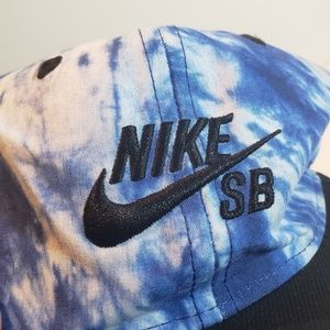 NWOT, Nike SB Youth Blue Pattern Baseball Hat